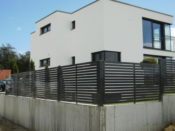 wind und sichtschutz metallbau edelstahlverarbeitung. Black Bedroom Furniture Sets. Home Design Ideas